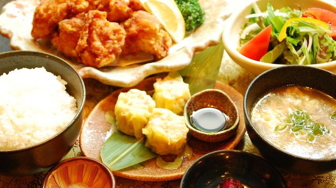 轍 - 料理写真:唐揚げランチ