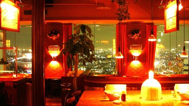 ザ・ワインバー - 内観写真:広がる夜景に大満足!