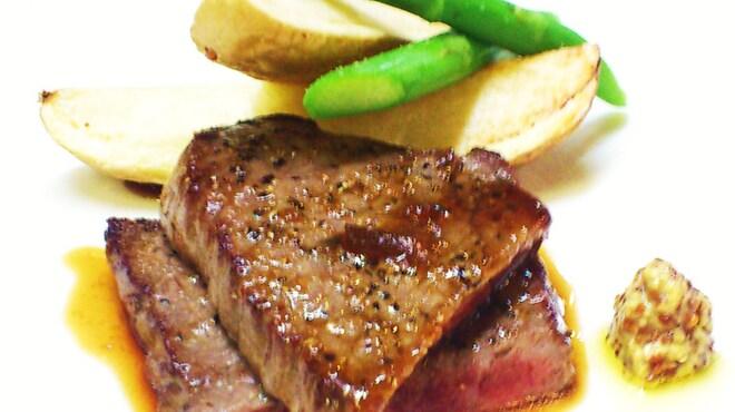 Vertigo - 料理写真:黒毛和牛のペッパーステーキ