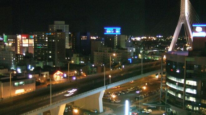 みちのく料理 西むら - 内観写真:夜の街側の景色 青森の夜景が見渡せます