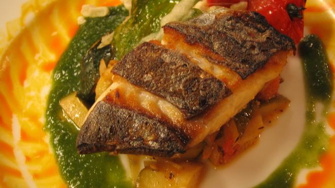 トワ・プティ・ルー - 料理写真:天然真鯛のグリエ