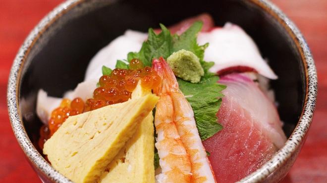 居酒屋北菜 - 料理写真:海鮮丼(ランチ限定)