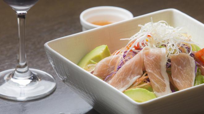 ダイニング絆和 - 料理写真:地産地消にこだわった、沖縄ならではの味わいが堪能できるお店