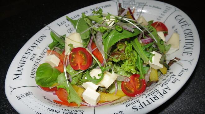 あさひ - 料理写真:チーズサラダ(サウザンアイランド)590円