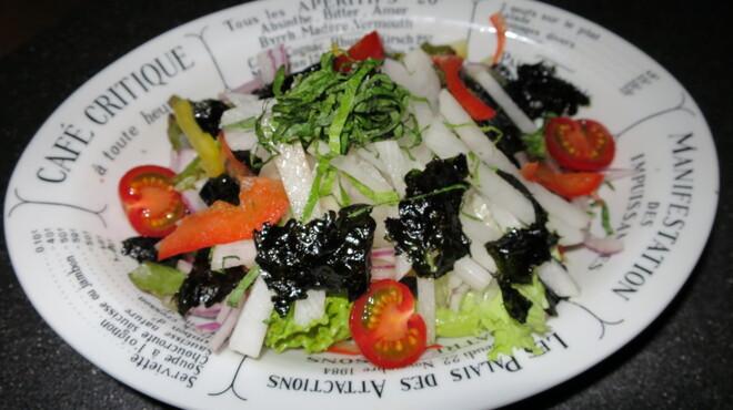 あさひ - 料理写真:韓国海苔と大葉の大根サラダ(ぽん酢ドレッシング)540円