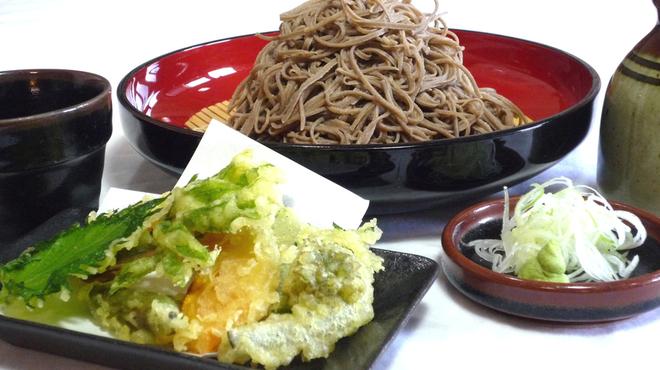 富蔵家 - 料理写真:田舎そばセット1,360円 季節野菜の天ぷらはそばとの相性が良い逸品です。