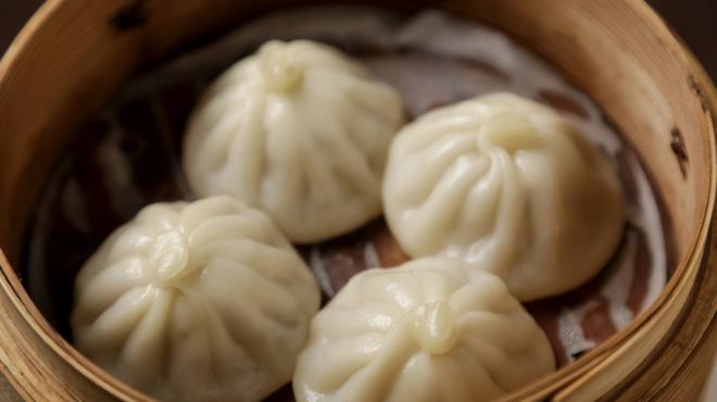 陳餐閣 - 料理写真:名物料理の小籠包は欠かせない