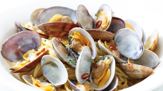 アンジュ - 料理写真:活き特大アサリのペペロンチーノ