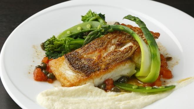 ピコレ - 料理写真:鮮魚のポワレ