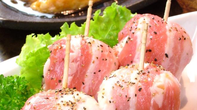 彩香園 - 料理写真:黒豚のトマト巻き ¥609