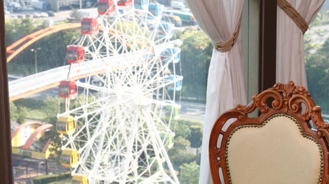 ソレイユ - 内観写真:明石公園や衣浦港が見渡せます。※窓際席は限りがありますのでご予約をおすすめします。