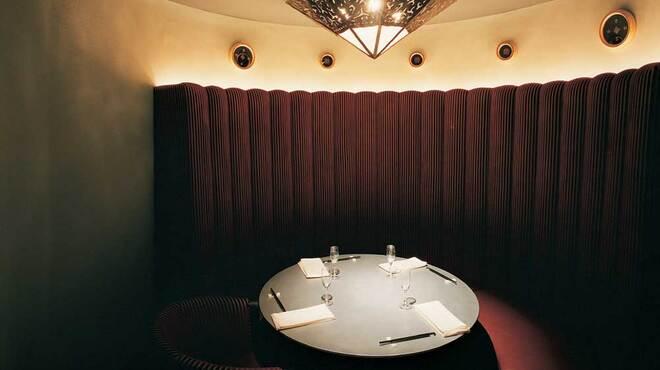 OLD MAN'S UN 汐留 - 内観写真:中2階の個室。10名様まで