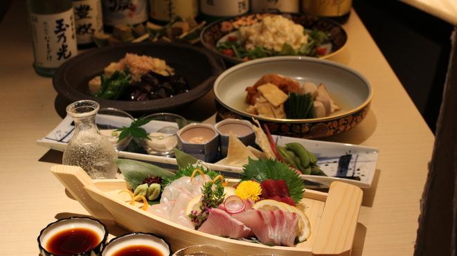 京都伏見蔵 - 料理写真:伏見の銘酒にには、やっぱり鮮魚が一番!!伏見の銘酒とお楽しみください