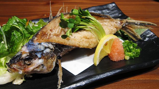 三線の花 - 料理写真:グルクン唐揚げ(780+税)