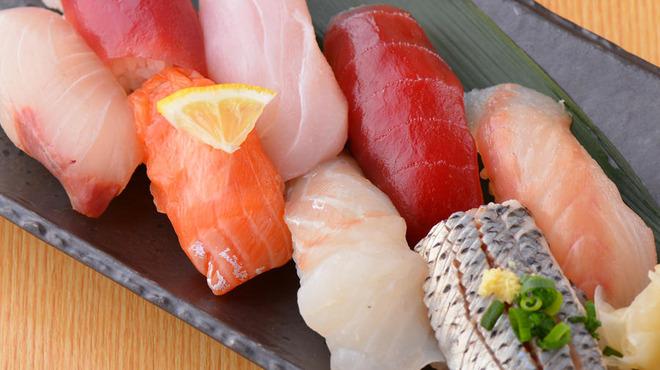 魚の三是 - メイン写真: