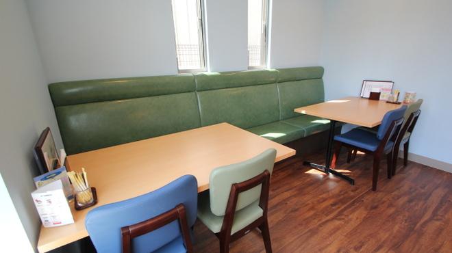 カフェ&ゲームバー ことぶき - 内観写真:禁煙席からの風景です。