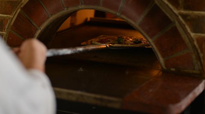 ピザレボ - その他写真:窯焼き
