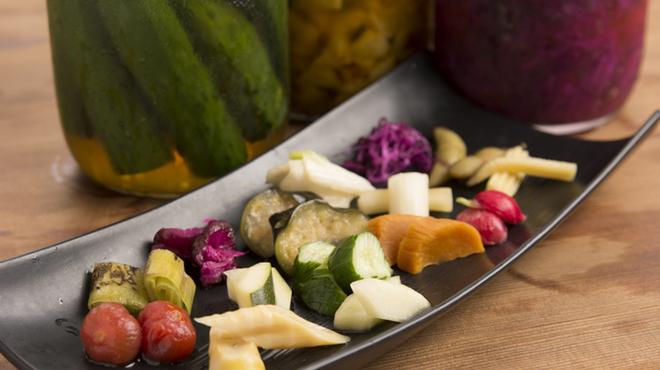 小野の離れ - 料理写真:自家製お漬物いろいろ九種盛  (キャベツ・大根・梅干し・プチトマト・茄子・白菜・胡瓜・らっきょなど豊富に漬物をご用意しています。)
