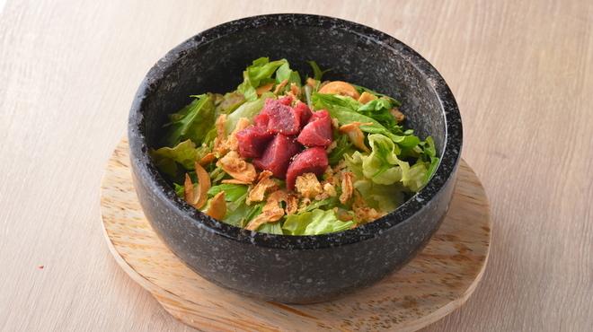 エイジング・ビーフ - 料理写真:石焼熟成ガーリックライス