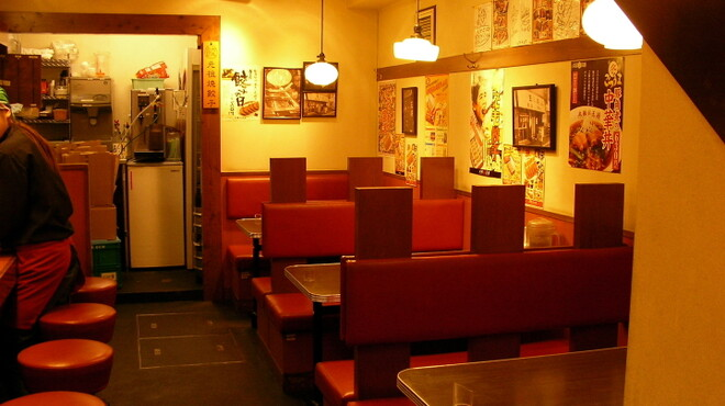 大阪王将 - 内観写真:1階テーブルボックスシートです。