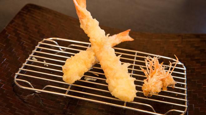 山海 - 料理写真:季節の旬の天婦羅をご用意しております。