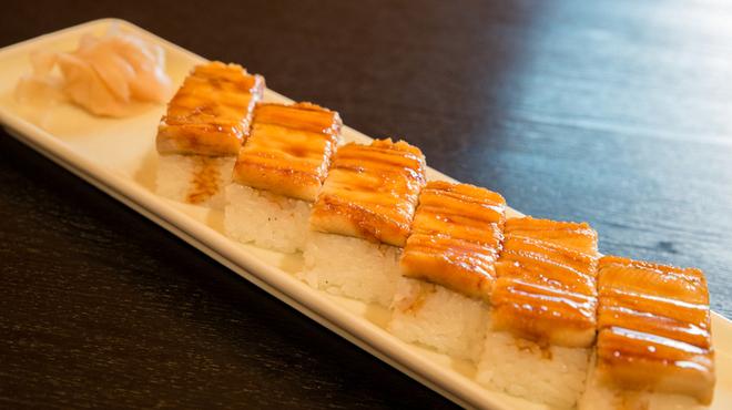山海 - 料理写真:穴子の押し寿司