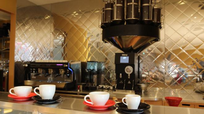 カフェ クッチーナ&カンパニー - 内観写真:ブレンダーマシン