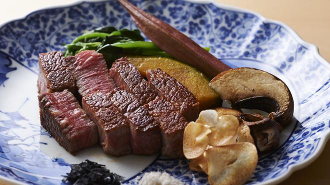 鉄板焼 銀明翠 - 料理写真:香り高い黒毛和牛ステーキ