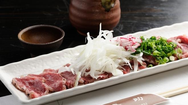 喜助 - 料理写真:阿波牛のタタキ