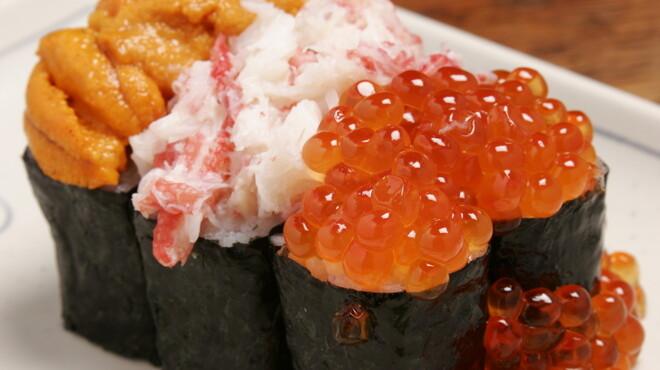 赤羽 トロ函 - 料理写真:ぶっかけ三点寿司 ¥1186