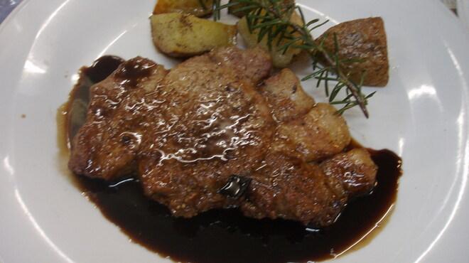 チムニーギオット - 料理写真:豚肉のオーブン焼きバルサミコソース
