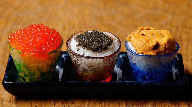 十番右京 - 料理写真:いくら、キャビア、ウニのおちょこ丼