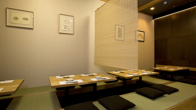 天ぷら新宿つな八 - 内観写真:座敷席
