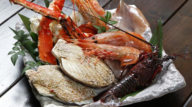 俺の焼肉 - 料理写真:おすすめ海鮮盛合せ4,800円・・・ずわい蟹になります。