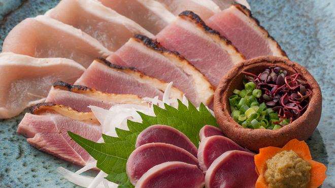 鳥善 - 料理写真:◆鳥刺3種盛むね肉、砂ずり、タタキの3種盛。柚子胡椒で 860円◆