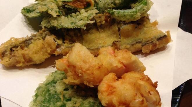あさひ町スタンド - 料理写真:天ぷら盛り合わせ