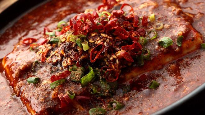 栄華楼 - 料理写真:石焼マーボ豆腐