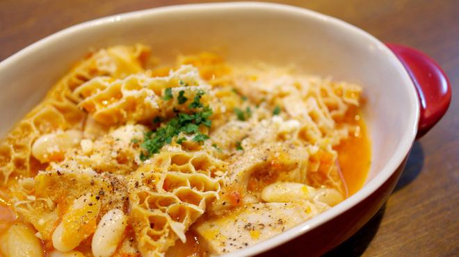 エスターテ ~自然派ワインが中心のイタリアン~ - 料理写真:トリッパと白いんげん豆の煮込み