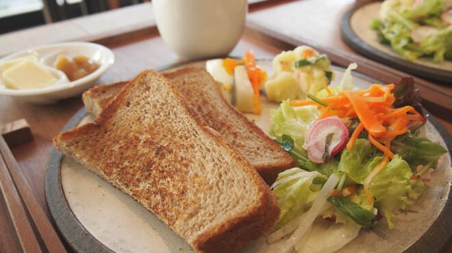 レーベルカフェ OSAKA - 料理写真:モーニングのトーストセットです♪レーベルカフェで素敵な朝を。