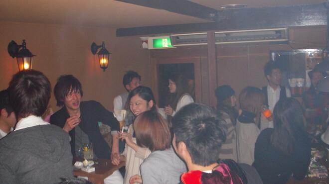 クローバー - 内観写真:立食貸切PARTY20名様~【飲み放題+コース料理orキャッシュ・オン】 2500円~♪