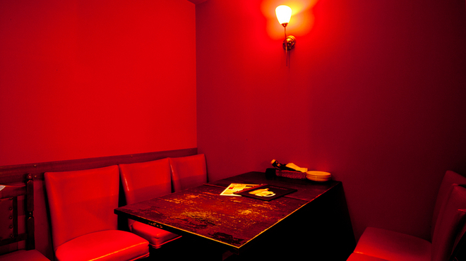 イタリアンダイニング マッシュルームプライム - 内観写真:一日の終わりにおしゃれな空間で大人の女子会