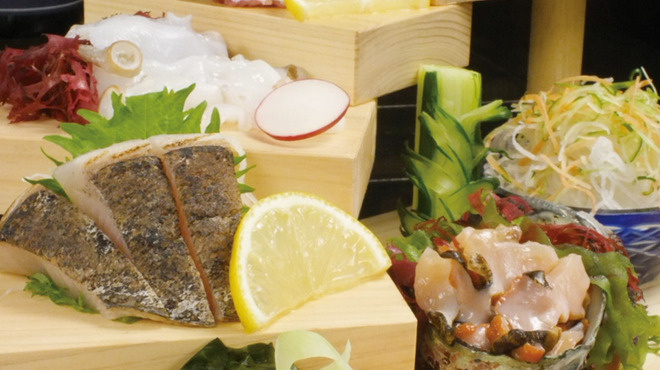居酒屋かたつむり - 料理写真:新鮮刺身階段盛り