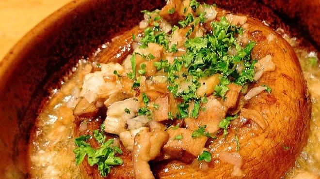 モン テルセーロ - 料理写真:ジャンボブラウンマッシュルームのアヒージョ