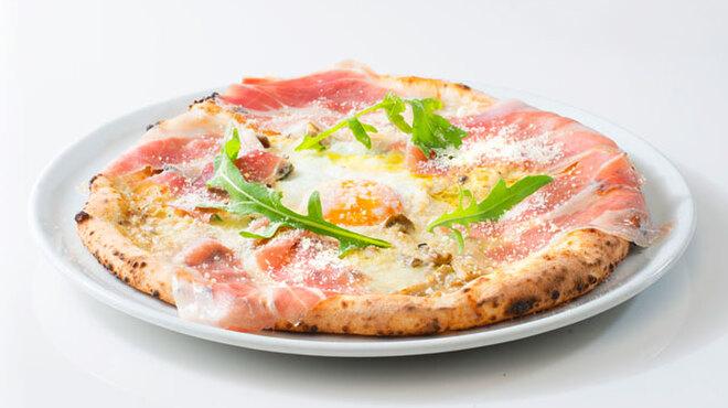 PIZZA SALVATORE CUOMO - 料理写真:生ハムフェスタ!!生ハムとポルチーニのビスマルク!