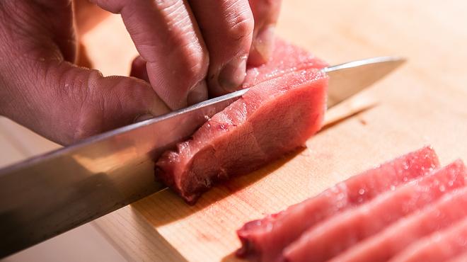 宮花庭 - 料理写真:毎朝築地で買い付ける鮮魚の数々をお楽しみください。