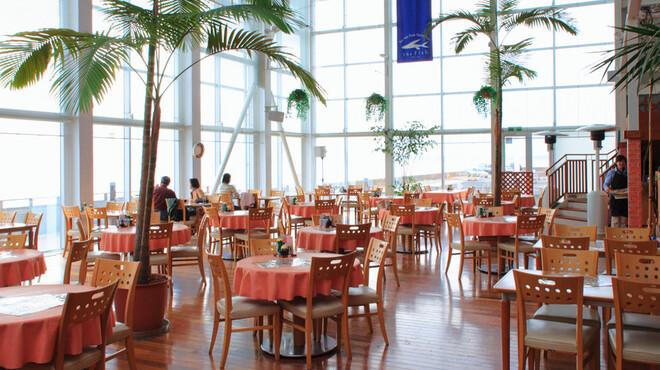 ザ・フィッシュ - 内観写真:レストランは海が一望できる、最高のロケーションです♪