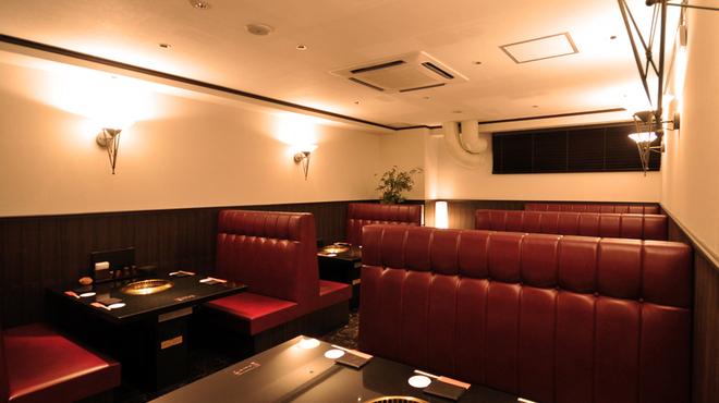 焼肉 いのうえ - 内観写真:最大26名様まで入れるテーブル席☆