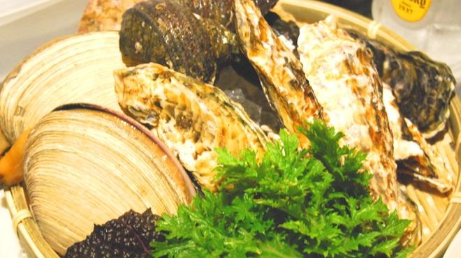 tama - 料理写真:毎日碧南の市場から仕入れる魚介。
