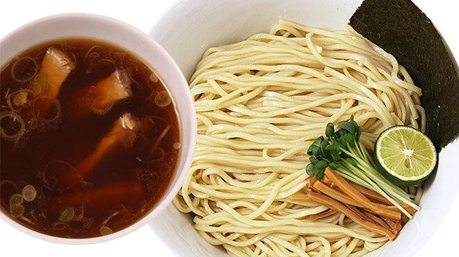 麺創研 奏 - 料理写真:自家特製ラー油を使用、辛つけそば