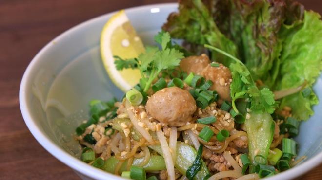 大阪カオマンガイカフェ - 料理写真:汁なしラーメン